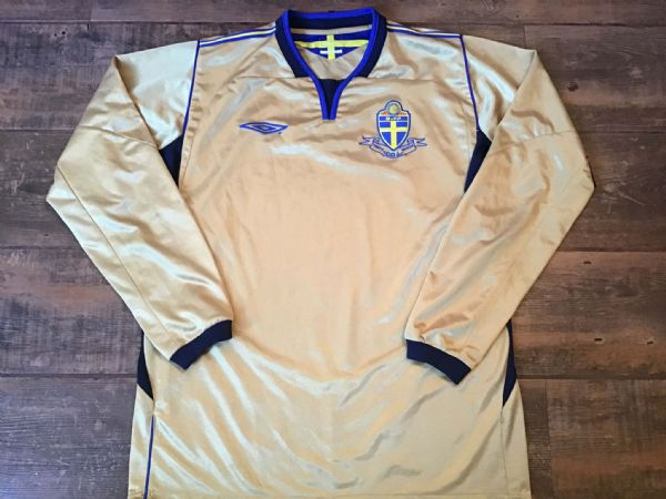 2004 Sweden L/s Centenary Football Shirt Large